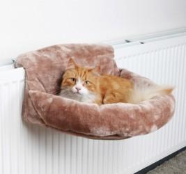 Hyggesæk for radiatorer i plys