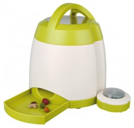 Trixie Dog activity/memory trainer